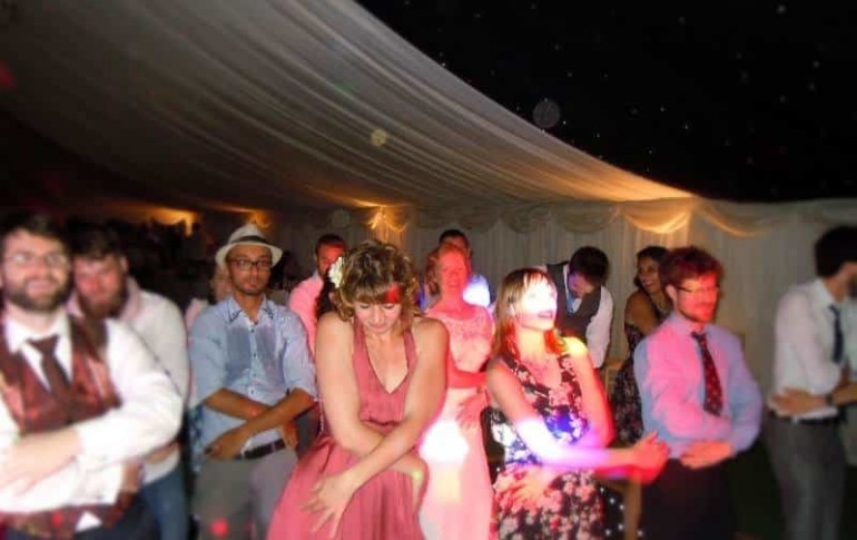 wedding-disco-cambridge-mindys-roadshow-macerena