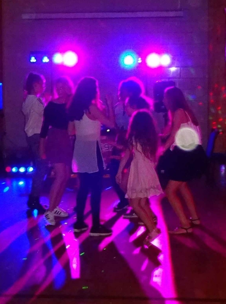 mobile disco hire Kids Disco 13 Year Old Sapiston Villagge Hall Suffolk Karaoke