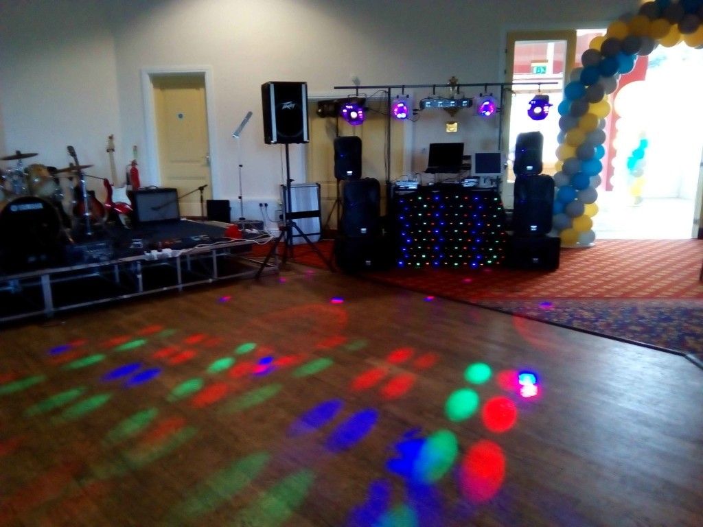 mobile disco hire Lynford Hall Karaoke Mindys Roadshow Disco Girls Hen Fun Party Band Compare Disco