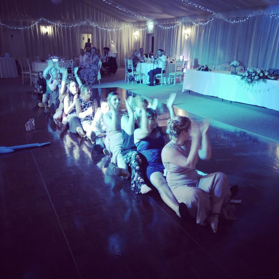 wedding party dances-applewood-hall-banham-norfolk-mindys-roadshow