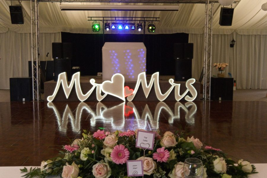 wedding mobile disco-wedding reception - applewood hall - banham zoo-mindys-roadshow