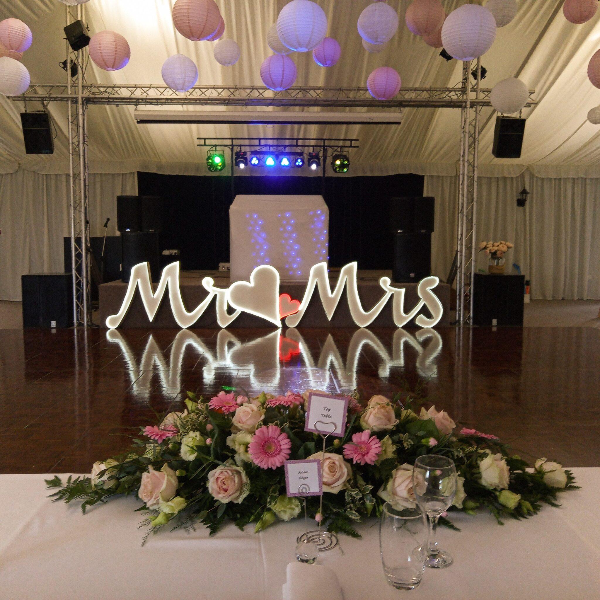 wedding mobile disco-wedding reception - applewood hall - banham zoo-mindys-roadshow